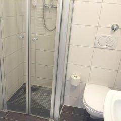 Отель Bismarck Германия, Дюссельдорф - отзывы, цены и фото номеров - забронировать отель Bismarck онлайн ванная