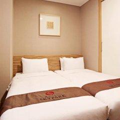 Отель SKYPARK Myeongdong II Южная Корея, Сеул - 1 отзыв об отеле, цены и фото номеров - забронировать отель SKYPARK Myeongdong II онлайн сейф в номере