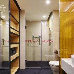 Отель Aloft Guangzhou Tianhe 3* Стандартный номер с различными типами кроватей