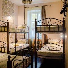 Хостел Trinity & Tours Кровать в общем номере с двухъярусной кроватью фото 28