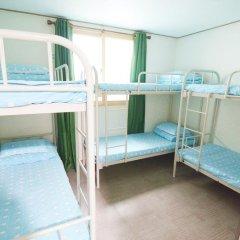 Kimchee Downtown Guesthouse - Hostel Кровать в общем номере с двухъярусной кроватью фото 5