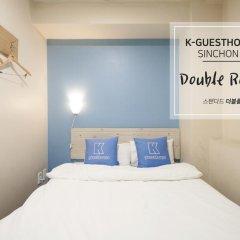 Отель K-guesthouse Sinchon 2 2* Стандартный номер с двуспальной кроватью