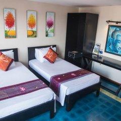 Отель Vietnam Backpacker Hostels - Downtown Номер Делюкс с различными типами кроватей фото 7