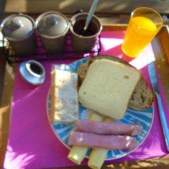 Отель Alfama 3B - Balby's Bed&Breakfast Стандартный номер с 2 отдельными кроватями (общая ванная комната) фото 26
