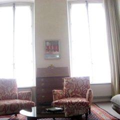 Отель Living in Paris - Saint Pères Франция, Париж - отзывы, цены и фото номеров - забронировать отель Living in Paris - Saint Pères онлайн комната для гостей фото 4