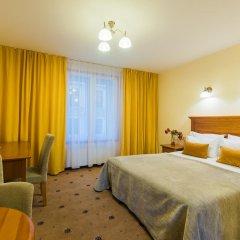 Отель Radi un Draugi 4* Стандартный номер с двуспальной кроватью фото 3