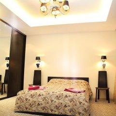 Мини-Отель Версаль на Арбате Стандартный семейный номер разные типы кроватей (общая ванная комната) фото 4
