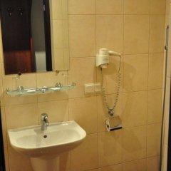 Мини-Отель Натали Стандартный семейный номер с двуспальной кроватью фото 7