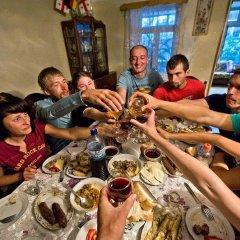 Отель Guest House Kharabadze Family питание
