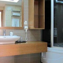 Berksoy Hotel Турция, Дикили - отзывы, цены и фото номеров - забронировать отель Berksoy Hotel онлайн ванная фото 2