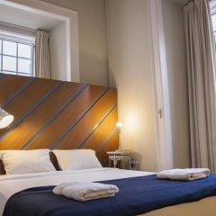 Goodmorning Hostel Lisbon Стандартный номер с двуспальной кроватью (общая ванная комната)