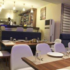 Отель Scarlet Lodge Нигерия, Лагос - отзывы, цены и фото номеров - забронировать отель Scarlet Lodge онлайн питание фото 3