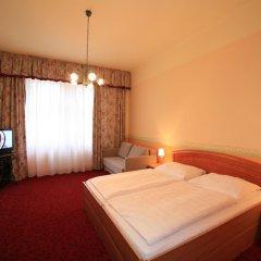 Hotel Kavalerie 3* Стандартный семейный номер с двуспальной кроватью