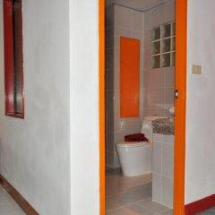 Отель Baan Phil Guesthouse ванная фото 2