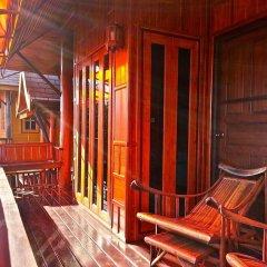 Отель Villa Ayutthaya @ Golden Pool Villas Таиланд, Ланта - отзывы, цены и фото номеров - забронировать отель Villa Ayutthaya @ Golden Pool Villas онлайн балкон