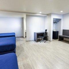 Отель Hollywood Inn Express LAX 2* Стандартный номер с различными типами кроватей фото 13
