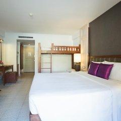 Отель Phuket Orchid Resort and Spa 4* Стандартный семейный номер с разными типами кроватей фото 5
