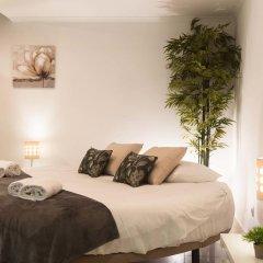 Отель West Side Guesthouse Люкс двуспальная кровать