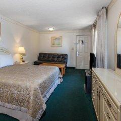 Отель Super 8 by Wyndham Lindsay Olive Tree 2* Стандартный номер с различными типами кроватей фото 3