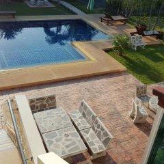 Отель East Shore Pattaya Resort бассейн фото 3