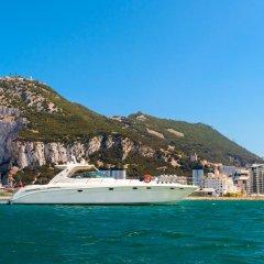 Luxury Yacht Hotel пляж фото 2