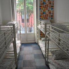 Отель Hostels MeetingPoint 2* Кровать в женском общем номере с двухъярусной кроватью фото 11