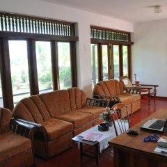 Отель Blue Lagoon Resorts Хиккадува интерьер отеля