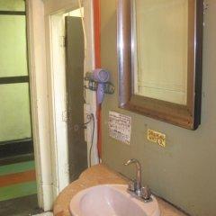 Отель American Backpackers Hostel Канада, Ванкувер - отзывы, цены и фото номеров - забронировать отель American Backpackers Hostel онлайн ванная