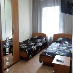 Хостел Апельсин Стандартный номер с 2 отдельными кроватями фото 3