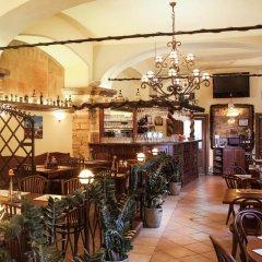 Апартаменты Picasso Apartments Prague гостиничный бар