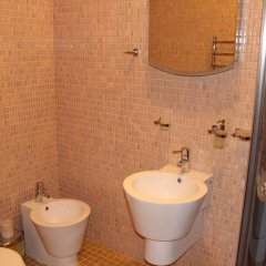 Гостиница Villa Sonyachna With Swimming Pool Вилла разные типы кроватей фото 8