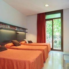 Отель Hostal Benidorm Стандартный номер с различными типами кроватей фото 11