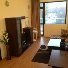 Апартаменты Dilov Apartments In Yalta Golden Sands удобства в номере