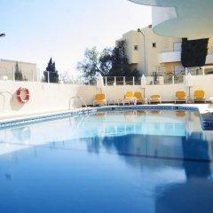 Отель AlvorMar Apartamentos Turisticos Портимао бассейн фото 3