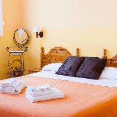 Отель Hostal Pensio 2000 2* Стандартный номер с двуспальной кроватью фото 3