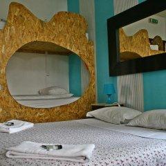 Sunset Destination Hostel Стандартный семейный номер с двуспальной кроватью