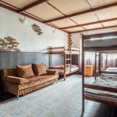 Мини-Отель Внучка Стандартный семейный номер с разными типами кроватей (общая ванная комната) фото 5