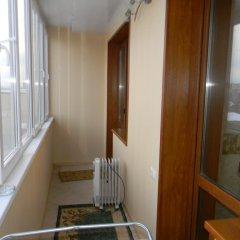 Гостиница Lux apartament UFA в Уфе отзывы, цены и фото номеров - забронировать гостиницу Lux apartament UFA онлайн Уфа балкон