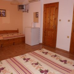 Отель Guest House Cherno More Поморие в номере