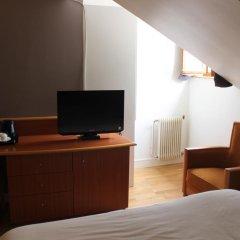 Отель Metropolitain Франция, Париж - отзывы, цены и фото номеров - забронировать отель Metropolitain онлайн удобства в номере фото 2