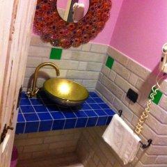 Pop Inn Hostel Стандартный номер с двуспальной кроватью фото 16