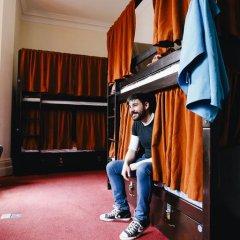 Отель Palmers Lodge Swiss Cottage Кровать в общем номере фото 16