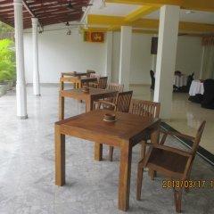 Отель Larns Villa питание фото 2