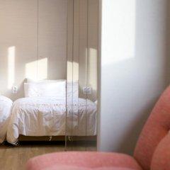 Отель Grid Inn 2* Стандартный семейный номер с двуспальной кроватью фото 5