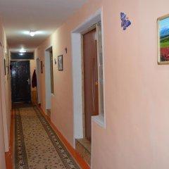 Отель Guest House on Derbisheva Кыргызстан, Каракол - отзывы, цены и фото номеров - забронировать отель Guest House on Derbisheva онлайн интерьер отеля фото 2