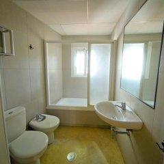 Отель Hostal La Muralla Стандартный номер с различными типами кроватей фото 6