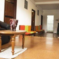 Отель Thumbelina Apartments & Hotel Шри-Ланка, Бентота - отзывы, цены и фото номеров - забронировать отель Thumbelina Apartments & Hotel онлайн интерьер отеля фото 3