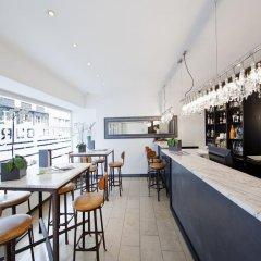 Апартаменты BURNS Art Apartments гостиничный бар
