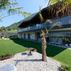 Отель Moar Lodge Лана приотельная территория фото 2