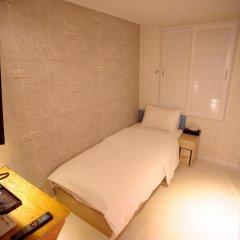 Отель Atti Guesthouse 2* Стандартный номер с 2 отдельными кроватями фото 7